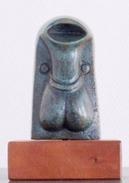 ABEL REIS Sculpteur-fondeur - Menhir - Bronze Plein, 2009  - Poids 2226 Grammes, Hauteur 20 Cm, Largeur 8 Cm - 4 Scans - Brons