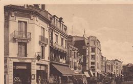 55. VERDUN . CPA SEPIA. LA RUE MAZEL. CAR ET VOITURE - Verdun