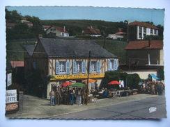 """CPSM 76 Gonfreville-l'Orcher - Hôtel-Restaurant """"La Grenouillère"""" - Vue D'ensemble Avec Belle Animation   A Voir ! - Other Municipalities"""