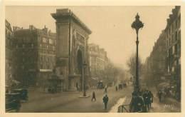 75 - PARIS - La Porte Saint-Denis Et Les Grands Boulevards - Boulevard Bonne-Nouvelle - Transport Urbain En Surface