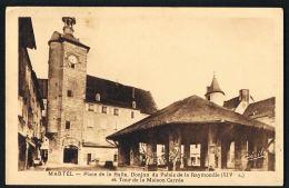 MARTEL - LOT - Place De La Halle ,Donjon Du Palais De La Raymondie Et Tour De  La Maison Carrée-CPSM Voyagée 1935 - Autres Communes
