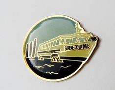 Pin's Sirène De La Baie Train Marin Du Mont Saint Michel - 517R - Badges
