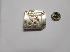 Superbe Pin's En Zamac , Informatique , Verbatim - Informatique