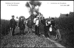 Scènes De Douane à La Frontière.9.Arrestation De Fraudeurs - Police - Gendarmerie