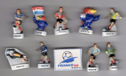 LOT 10 Fèves Brillantes FOOT - FOOTBALL FRANCE 98 & PENALTY 98 - Sports