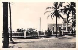 Afrique (Dahomey BENIN) COTONOU Chambre De Commerce (- Editions : CAP C.A.P REAL-PHOTO N°7)*PRIX FIXE - Benin