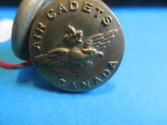 Bouton Ancien Militaire/Armée Canadienne/Air Cadets Canada/ Scully Montréal / XXième Siècle BOUT70 - Buttons