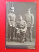 Foto Mit 3 Soldaten WW1 Mit Auszeichnung Eisernes Kreuz J. Herrmann Linden-Ruhr Ca. 1915 - Uniformen