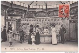 Cp , 03 , VICHY , La  Source Lucas, Température 28° - Vichy