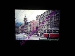 Diapositive Slide Amateur 1972 Autriche Innsbruck Maria Theresien Strasse Et Spitalskirche - Diapositives (slides)