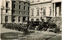 Carte De Membre - Sapeurs-pompiers D'Autun - Photographie Devant L'hôtel De Ville Avec Camions Et équipe - Vers 1950-60 - Beroepen