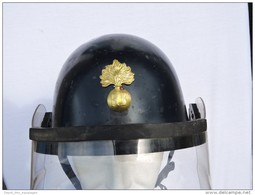 CASQUE GENDARMERIE MOBILE + VISIERE Daté 1964 : .....  MAI 68 - Police