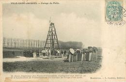 77: Ville Saint Jacques : Forage Du Puits - France