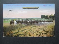 AK 1915 Feldpost 1. WK. Zeppelin. Dragoner In Deckung Gefechtsbereit. Das Deutsche Heer. Kriegsschauplatz. BHC Nr. 12405 - Dirigibili