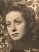 Photographie De Célébrité Par Raymond Voinquel Du Studio Harcourt, Beau Portrait De Danielle Darrieux, Photo Vers 1940 - Célébrités