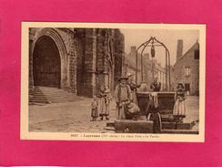 29 FINISTERE, LOCRONAN, Le Vieux Puits, Le Porche, Animée, (Le Doaré) - Locronan