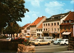 ! Ansichtskarte Aus Vohenstrauss In Der Oberpfalz, Bayern, Autos, Cars, VW Käfer, Bulli, Volkswagen - PKW