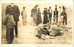 On Commercial St. Juarez, Mex. - & Corpses - Mexique