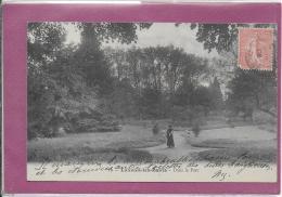 70.- LUXEUIL-LES-BAINS -  Dans Le Parc - Luxeuil Les Bains