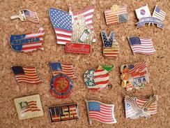 Lot De 15 Pin's  Sur Les Drapeaux US - Cities