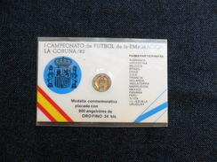 TARJETAS COLECCION MUNDIAL  FÚTBOL `82 CON MEDALLA PLACADA 800 AngstrÖms De Oro Fino 24k - Spanien