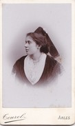 Photo Cdv   Arlesienne Coiffe Costume Photo Tourel Arles - Antiche (ante 1900)