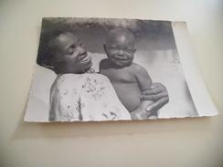 ZAMBEZE - MERE CHRETIENNE ET SON BEBE - Zambie