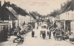 CPA Dép. 21 - Le Morvan Illustré - Saulieu. - La Rue De La Foire. Bien Animée. Très Bon état. - Saulieu