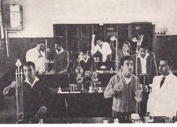 Old Postcard Kuwait  Students Laboratory - Koweït