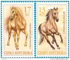 2013 Czech - Horses - Set Of 2 V Paper MNH ** - Tschechische Republik