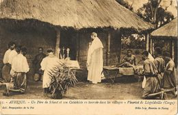 Missions En Afrique - Un Père De Scheut Et Son Catéchiste En Tournée Dans Les Villages, Léopoldville (Congo) - Missions