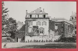 Beaumont - Bâtiments De L'Institut Paridaens - 2 ... Carte Photo ... époque: Années 50 ( Voir Verso ) - Beaumont