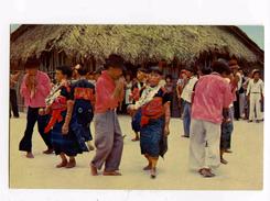 """A 19944   -   San Blas  -  Indios Bailando En La Fiesta Del """"Dia De Los Indios""""    -   Foto Flatau - Panama"""