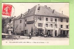 VILLARD De LANS - Place De La Nation Animée (réparation Fontaine ?) - Café De France  -  Hôtel De Paris - Peu Courant - Villard-de-Lans