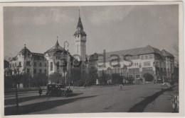 Romania - Targu Mures - Primaria Si Palatul Cultural - Old Time Car - Roumanie