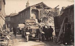 CHALONS-sur-MARNE - Carte-Photo Des Ruines - Rue TITON - Voir Le Dos - Véhicules Militaires - Châlons-sur-Marne