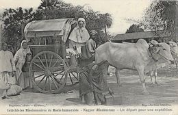 Missions: Cathéchistes Missionnaires De Marie Immaculée - Nagpur (Hindoustan) - Un Départ Pour Une Expédition - Missions