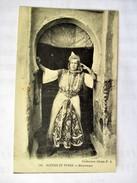 FEMME ARABE  Scenes & Types Belle MAURESQUE - Cartoline