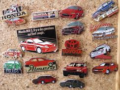 Lot De 15 Pin's Sur Les Logos Honda Toyota Seat - Honda