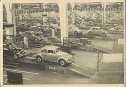 Volkswagen Automobilwerk Wolfsburg, VW Käfer Produktion Vom Fliessband, Foto-Postkarte 1958 - Voitures De Tourisme