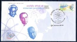 J331- India 2005. Albert Einstein  Atomic Scientist. International Year Of Physics, Atom Symbol, Energy, Nobel Prize. - India