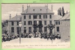 CLELLES - Hôtel De Ville Un Jour De Procession - Superbe Plan Animé - Ed. Geoffray -  2 Scans - Clelles
