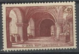 France - YT 661 - Huitième Centenaire De La Basilique De St Denis (1944) NEUF AVEC LEGERE TRACE DE CHARNIERE - France