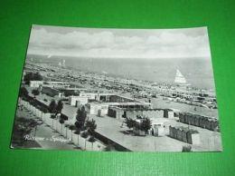 Cartolina Riccione -- Spiaggia -- 1956. - Rimini