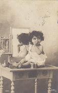 Kind Auf Tisch - Frühe Fotokarte - 1905     (A-42-150707) - Fotografia