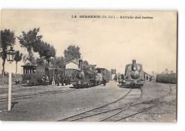 CPA 17 La Bergerie La Gare Et Le Train Tramway Ligne D'Archiac Saint Ciers - France