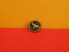 Collection Pin's > Animaux > Chèvre Alpine De La Race Caprine - - Animals