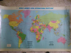 ABC WORLD AIRWAYS GUIDE INTERNATIONAL ROUTE MAP. 1985 APROX. 121,5X71,5 CM. AIRLINES. - Wereld
