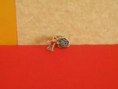 Collection Pin's > Non Classé > Moi Je Vais à L'école De Mont - Badges