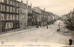 CPA - BRUYERES (88) - Aspect De La Grande-Rue Dans Les Années 20 - Bruyeres